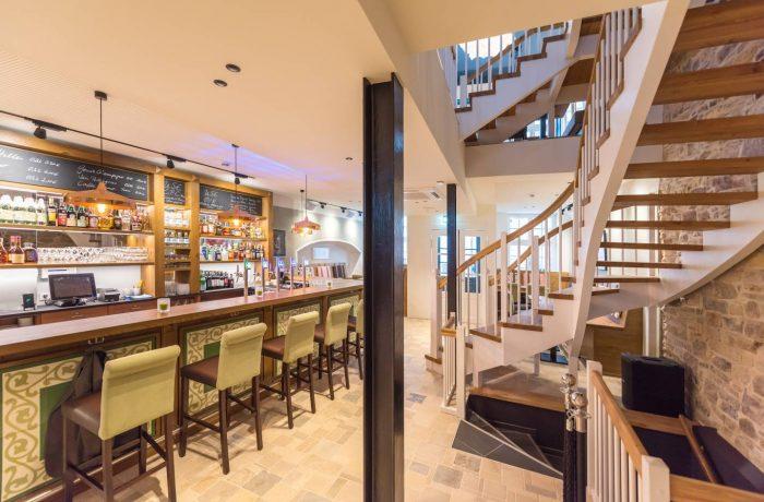 Olle Use Bar im Erdgeschoss